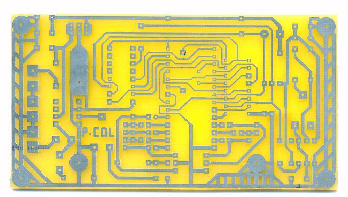 Circuit imprimé sorti du bac, et étamé à froid